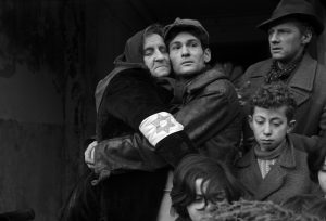 Jakub Gold with his mother in the Warsaw Ghetto